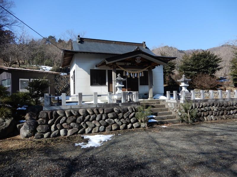 f20-1 塩沢の赤城神社拝殿