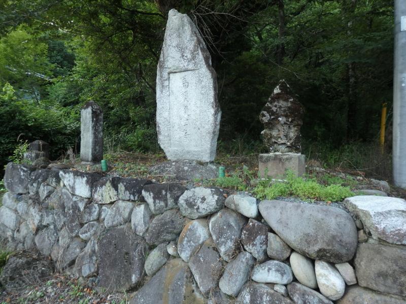 清水寺入口の庚申塔