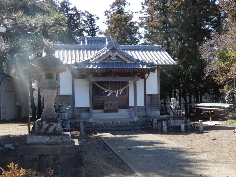h16-1 鹿の川の赤城神社拝殿