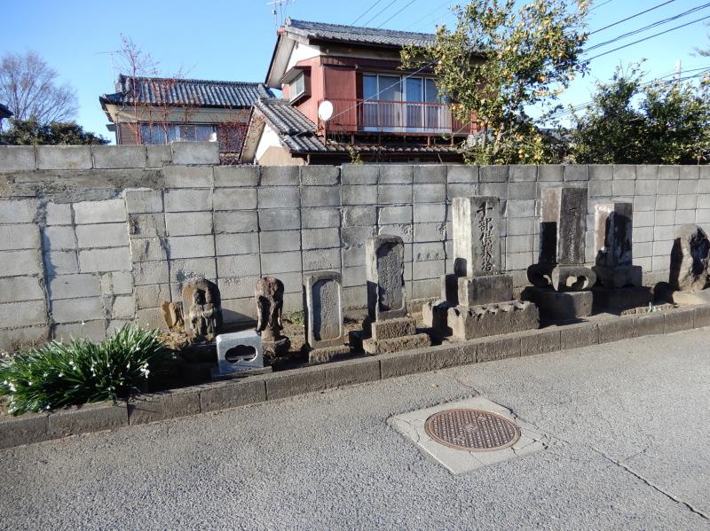 h21-3 門前の石碑群