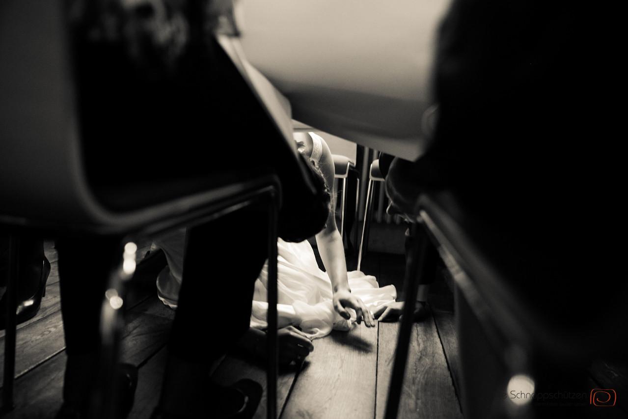 bei Trommeln Küssen unterm Tisch | die Schnappschützen