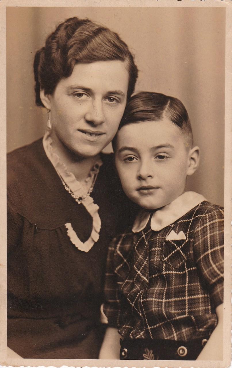 Mit meiner Mutter, 1941