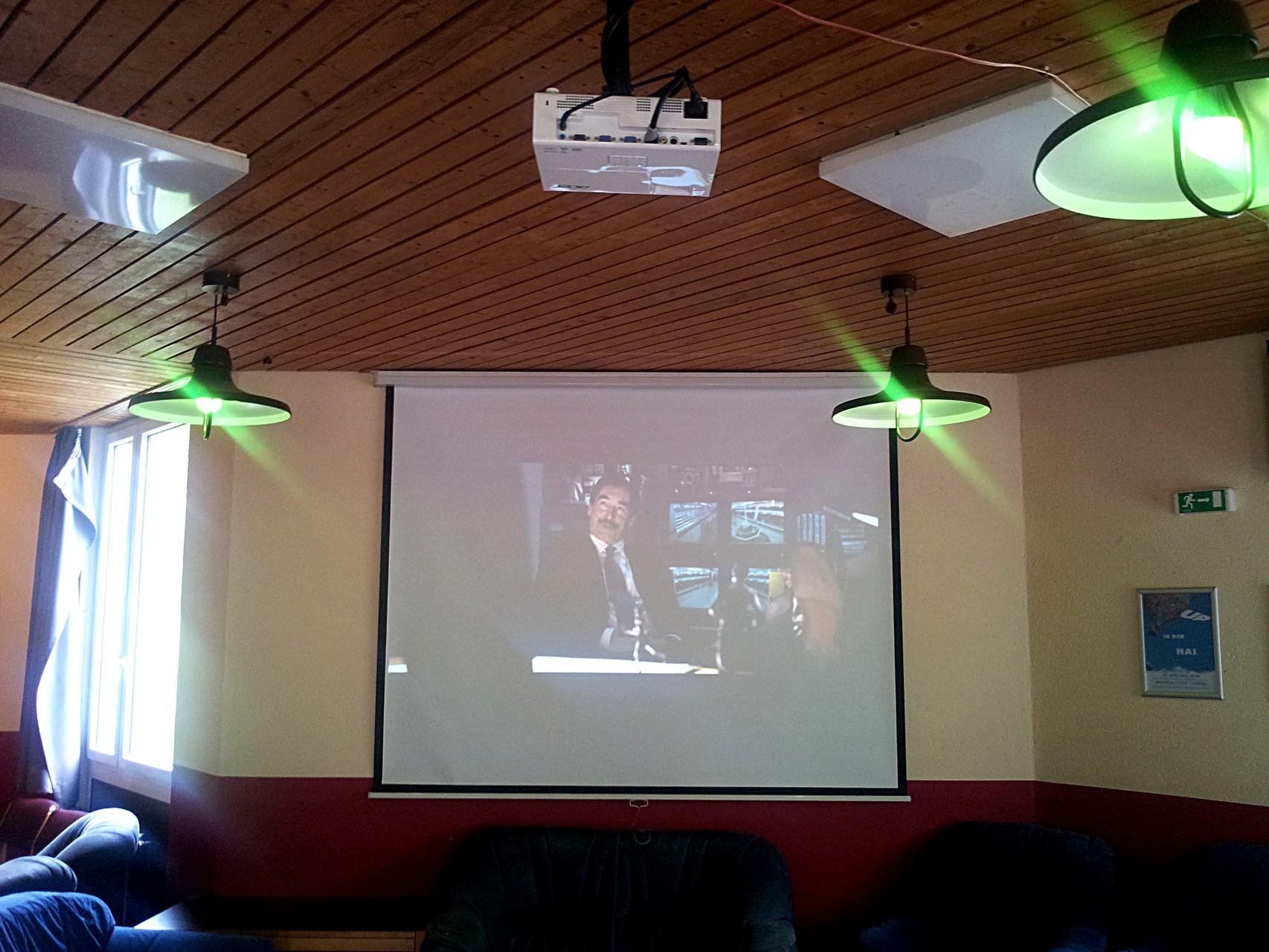 Clubraum in Haus I - Beamer