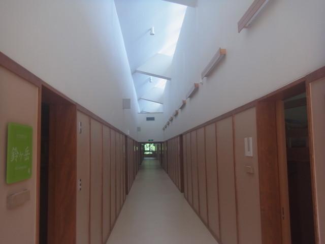 2F 廊下