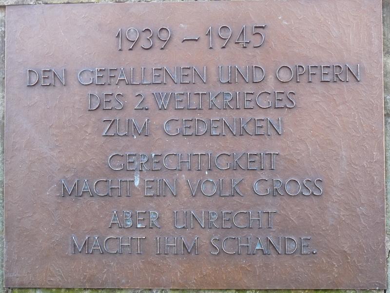 Dies Tafeln der Gefallenen des zweiten Weltkrieges wurden nachgefertigt