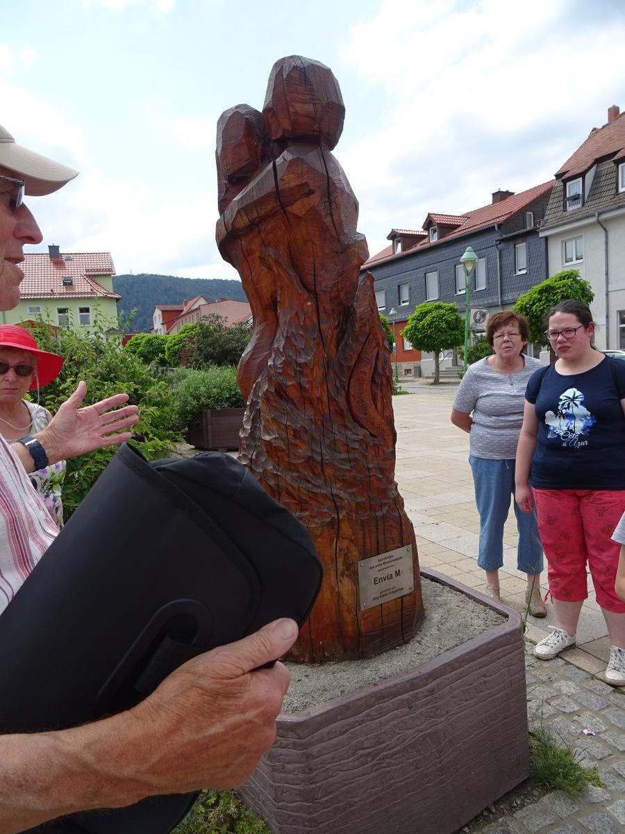 Ask und Embla ( die Esche und die Ulme), die ersten Menschen