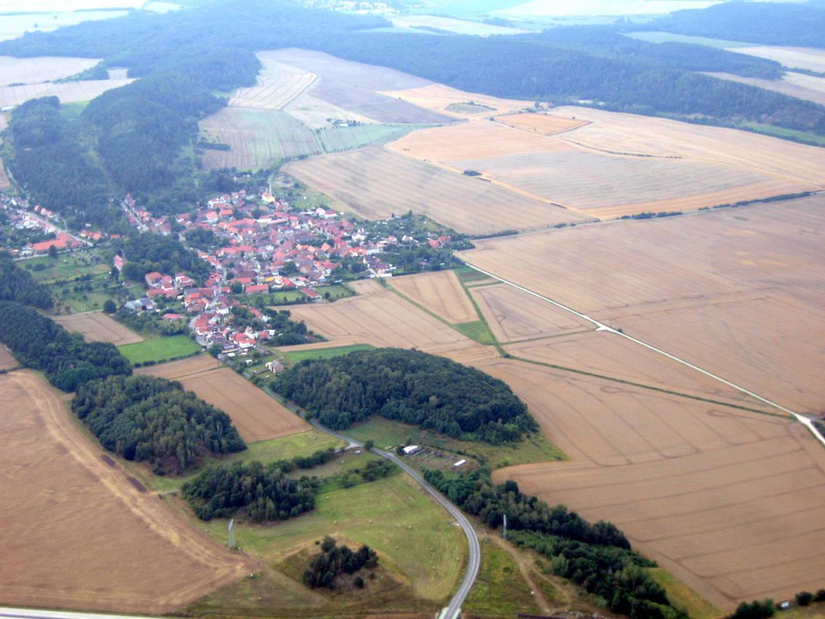 Blick auf Börnecke und Hoppelberg