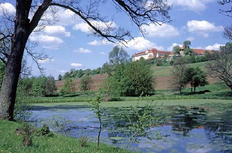 Schlossweiher zu Füßen des Ellwanger Schlosses
