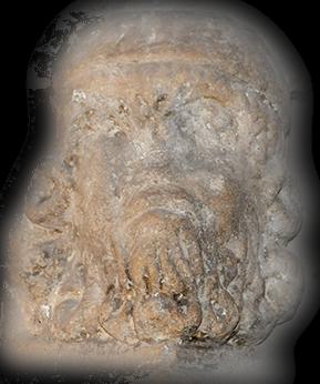 Sculpture de « cagot » de l'église Saint-Girons de Monein.