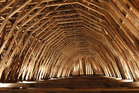 église de Monein (64) charpente réalisée par les cagots,'une admirable réalisation