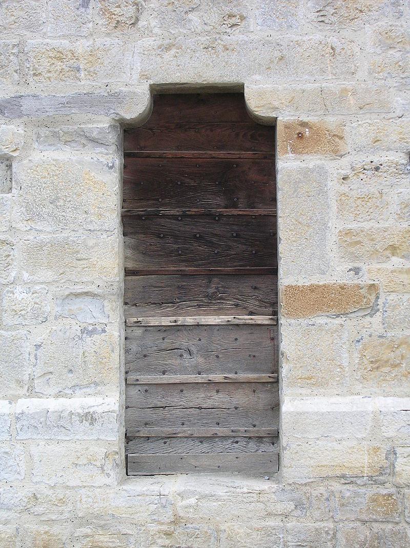 Porte des cagots de l'église de Sauveterre-de-Béarn.