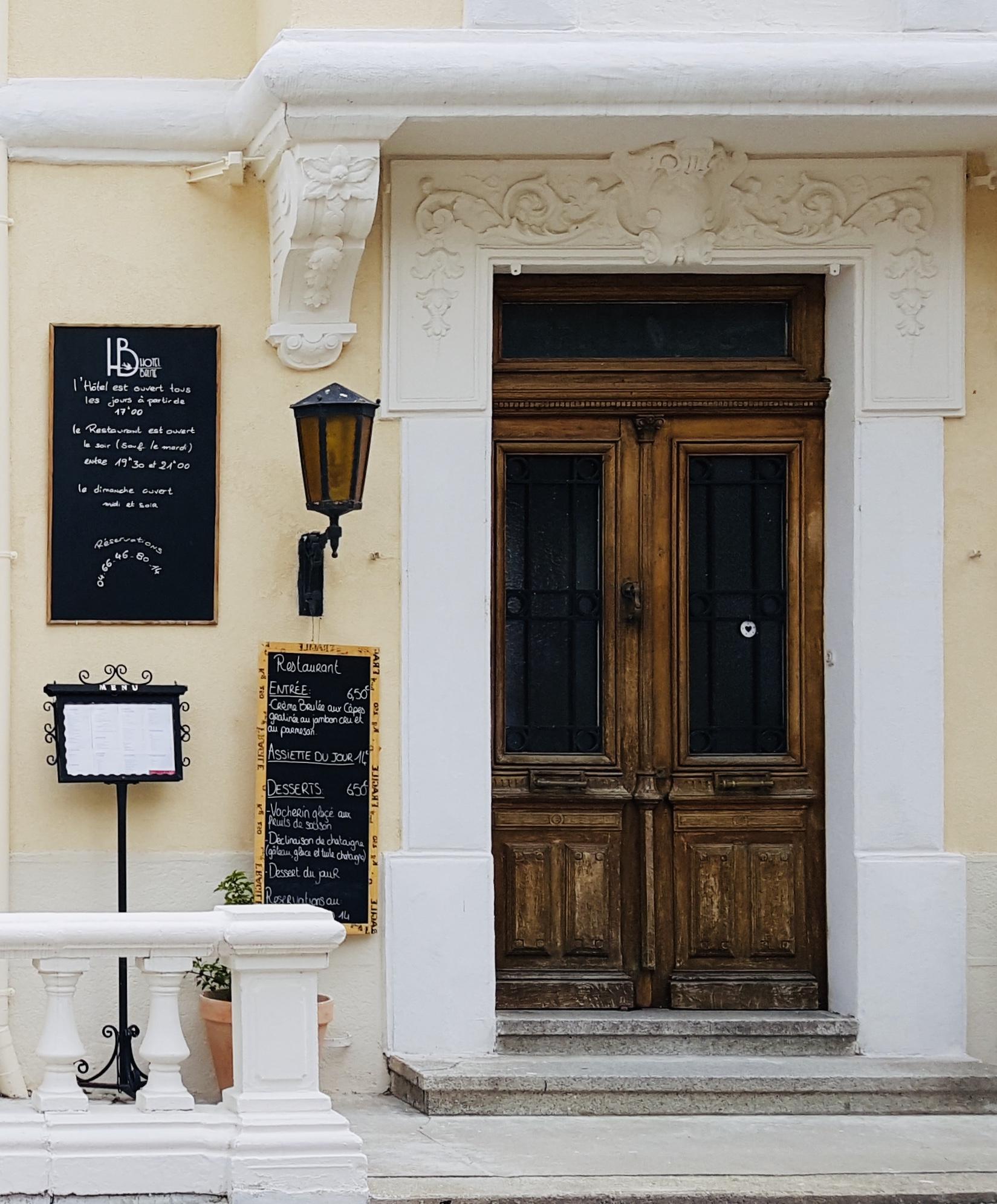 CHEZ CAMILLE - Restaurant - 2 Place du Portalet - 04 66 46 80 14
