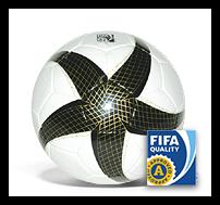 TOP MATCHBALL - NACH FIFA-INSPECTED KRITERIEN GEFERTIGT