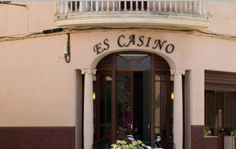 Bar Restaurant Es Casino