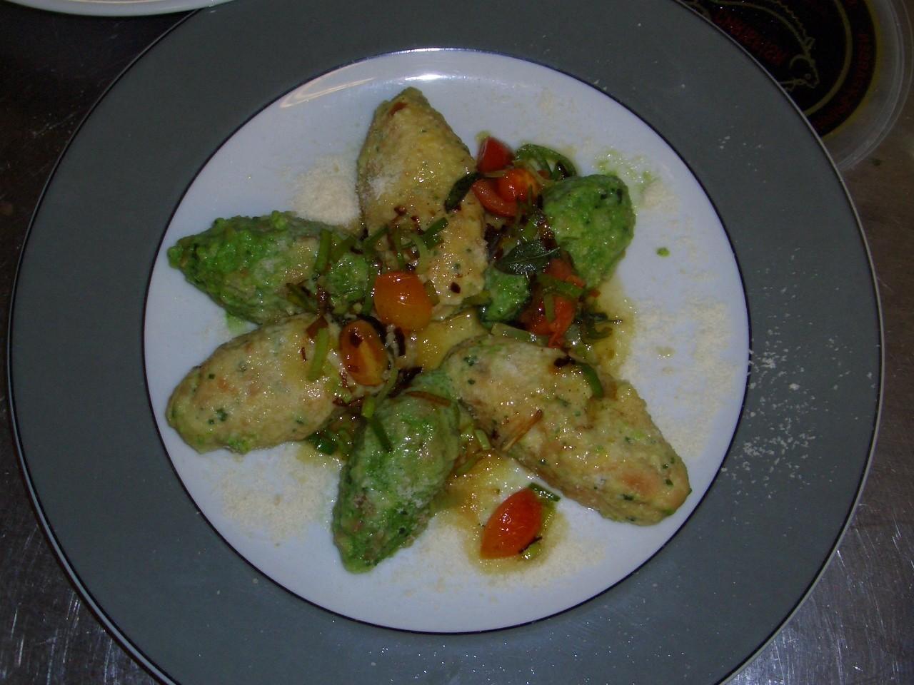 Gnocconi agli spinaci e formaggio