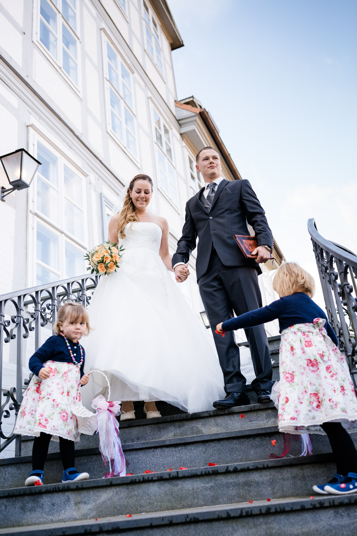Hochzeit Karina & Christopher auf Schloss Lüdersburg Blumenkinder