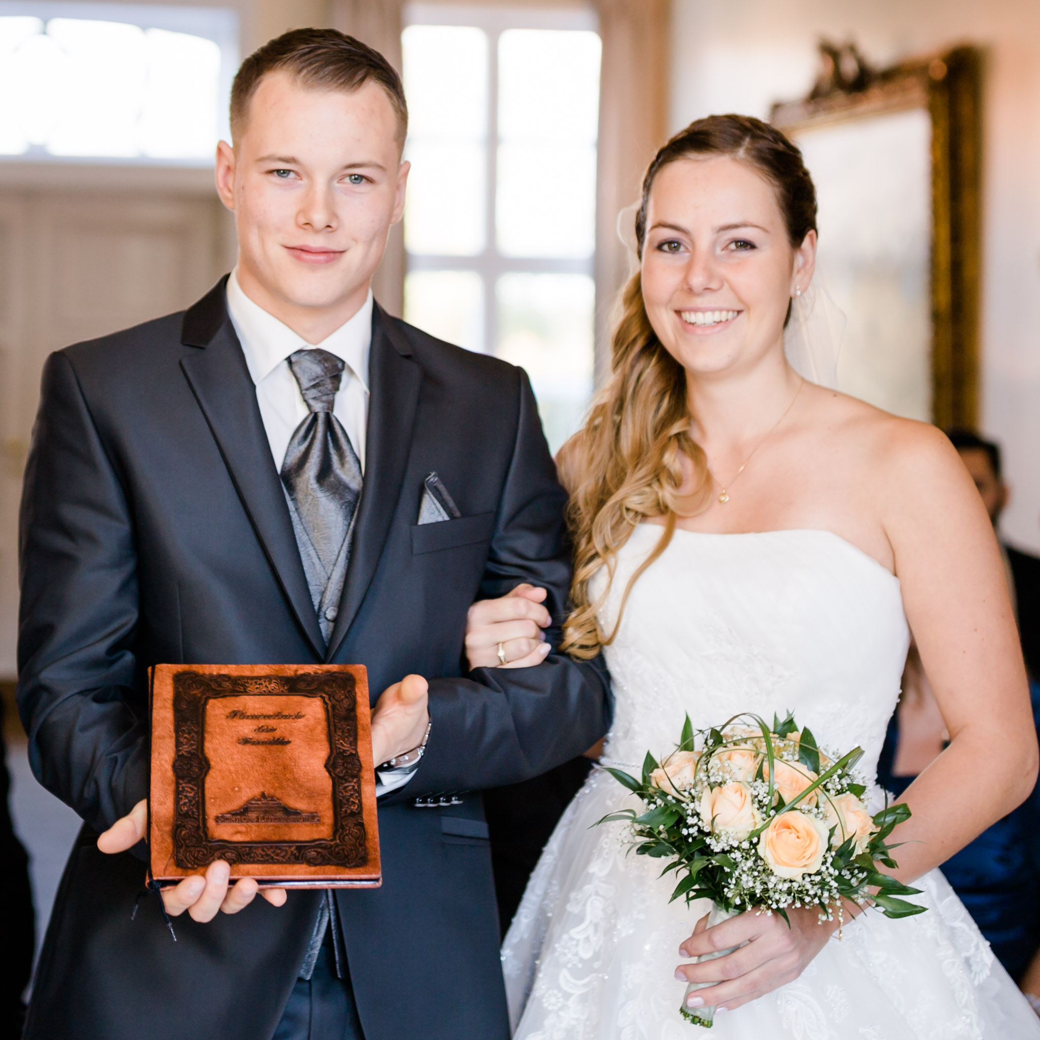 Hochzeit Karina & Christopher auf Schloß Lüdersburg Buch der Familie