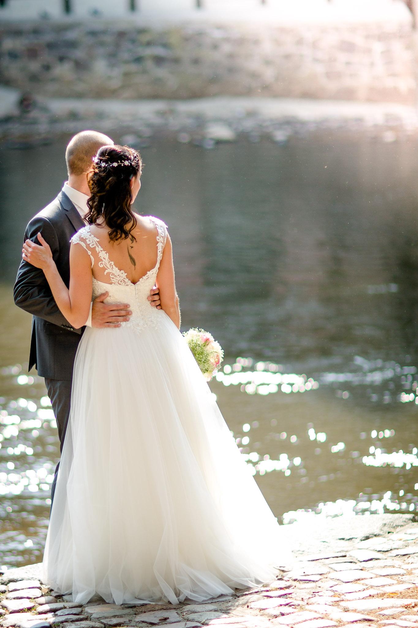 Brautpaarshooting an der Ilmenau in Lüneburg