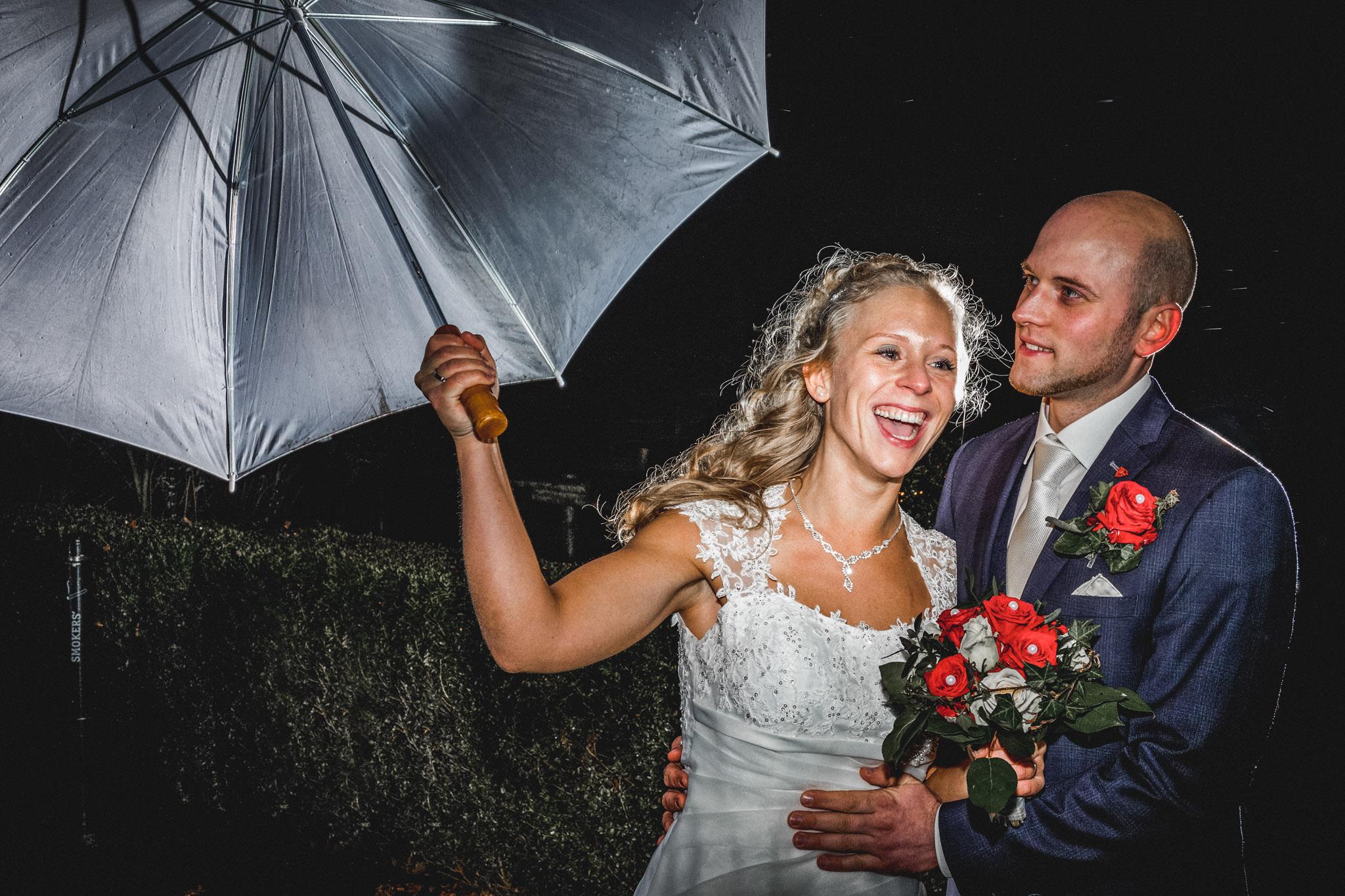 Hochzeitspaar beim Shooting