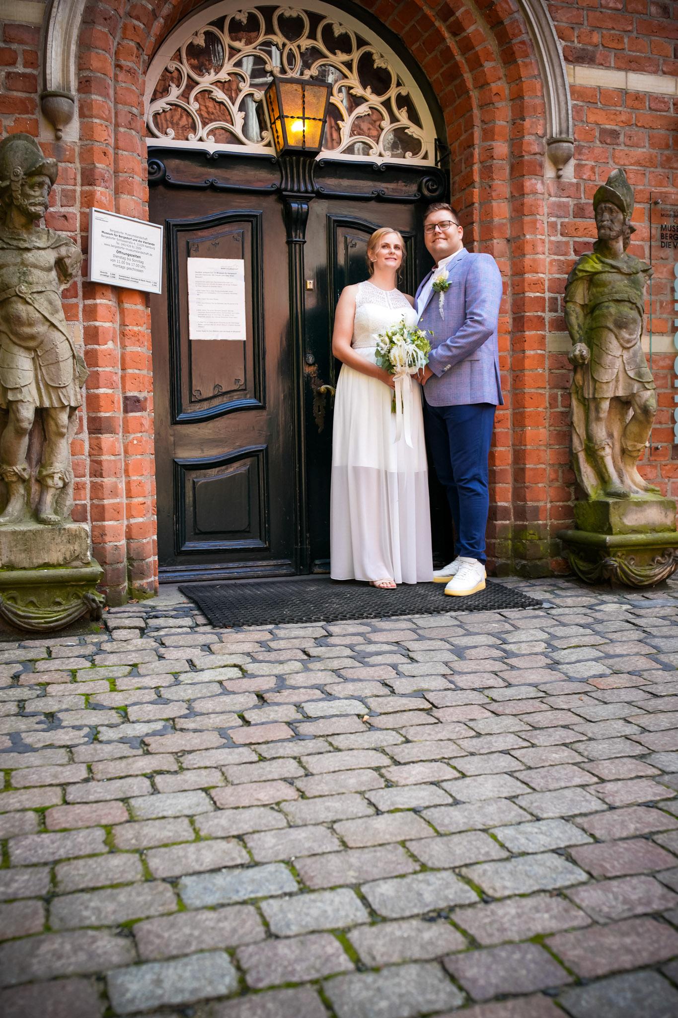 glücklich verheiratet auf Schloss Bergedorf Hamburg