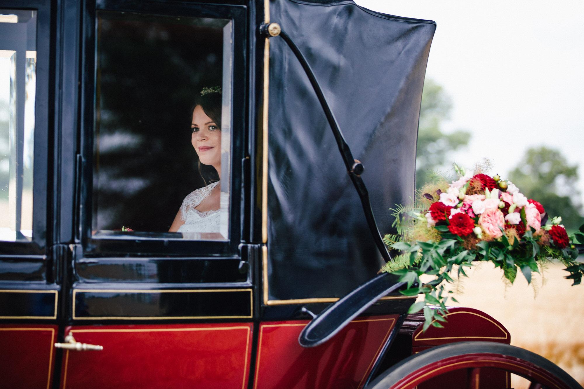 Braut in der Kutsche