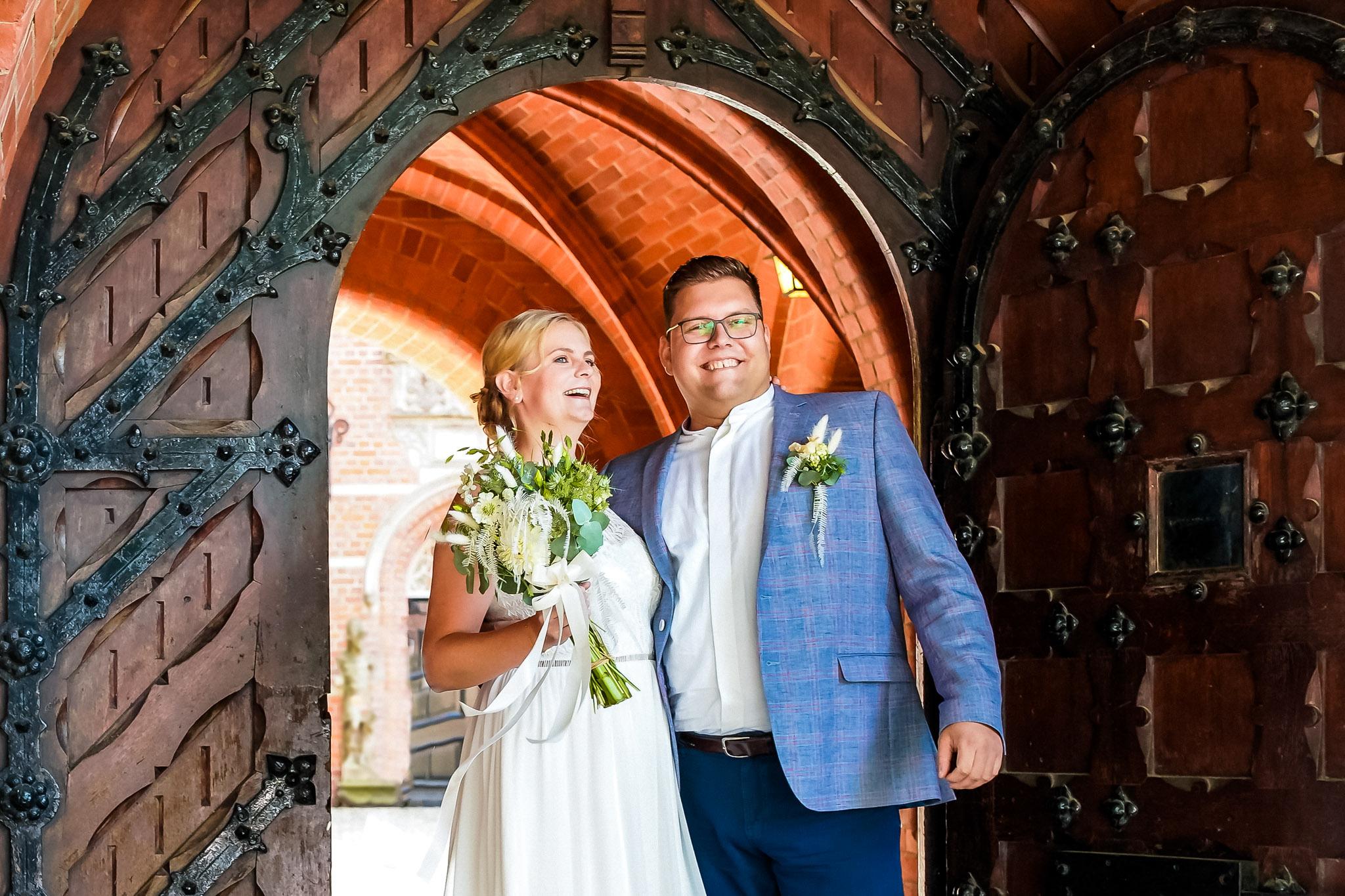 Brautpaar vor Schloss Bergedorf Hamburg