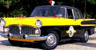 Simca Chambord police de la route V8 Ford - 1960 Brésil / la marque française aux origines italiennes et à l'accent américain / Société Industrielle de Mécanique et Carrosserie Automobile 1934-1980