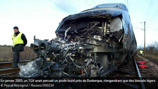 Photo Collision TGV contre poids-lourd ©2003 Dunkerque - Pascal Rossignol/Reuters   Le Figaro