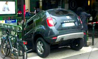 Automobile insolite / le Dacia Duster du métro (Paris)/ Autoplus.fr