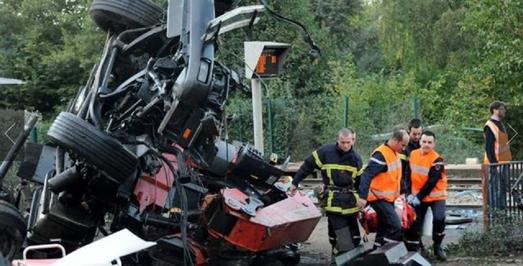 Le passage à niveau de Saint-Médard est, selon le maire, « un endroit à risques ».   Auteur photo : Jérôme Fouquet - Ouest-France   Clic vers article