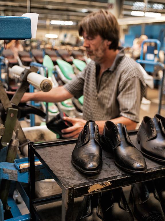 Selbst für das Ausleisten wurden arbeitserleichternde Vorrichtungen ersonnen. Aber dafür können sich wohl wirklich nur Schuhmacher begeistern.