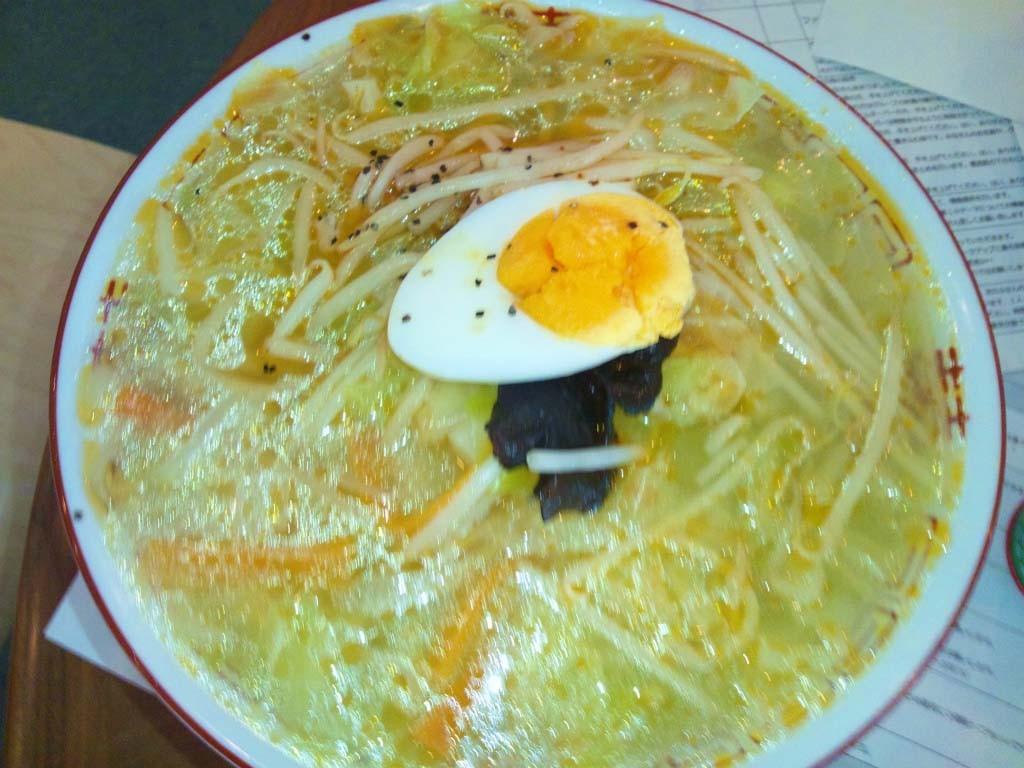 K氏の注文したタンメン。桜井食堂は塩スープも最高だ!