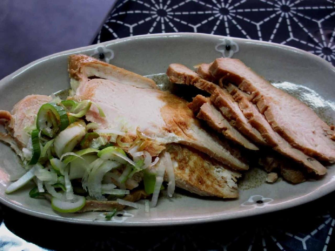これが、絶品!「永盛食堂」の鶏チャーシュー(別皿盛)
