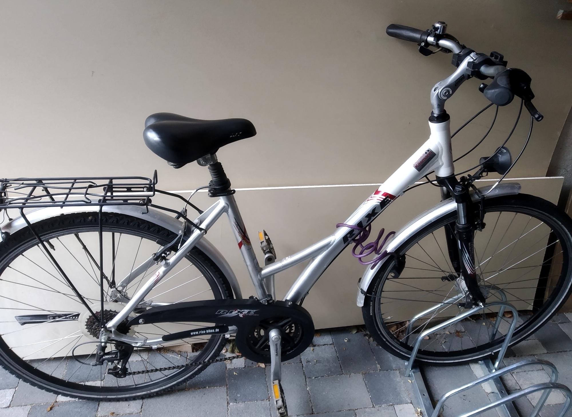 Sie können Räder mieten/ You can rent bikes