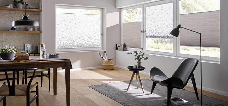 Wabenplissees für angenehm weiches Licht im Wohnzimmer, Plissee-Beratung in Langenselbold