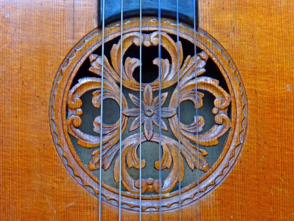 ca. 1940 Guitarra con roseta