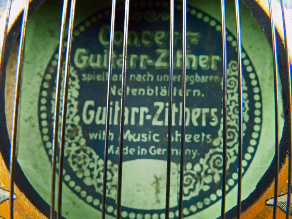 ca. 1930 Conzert Guitarr-Zither de órdenes dobles