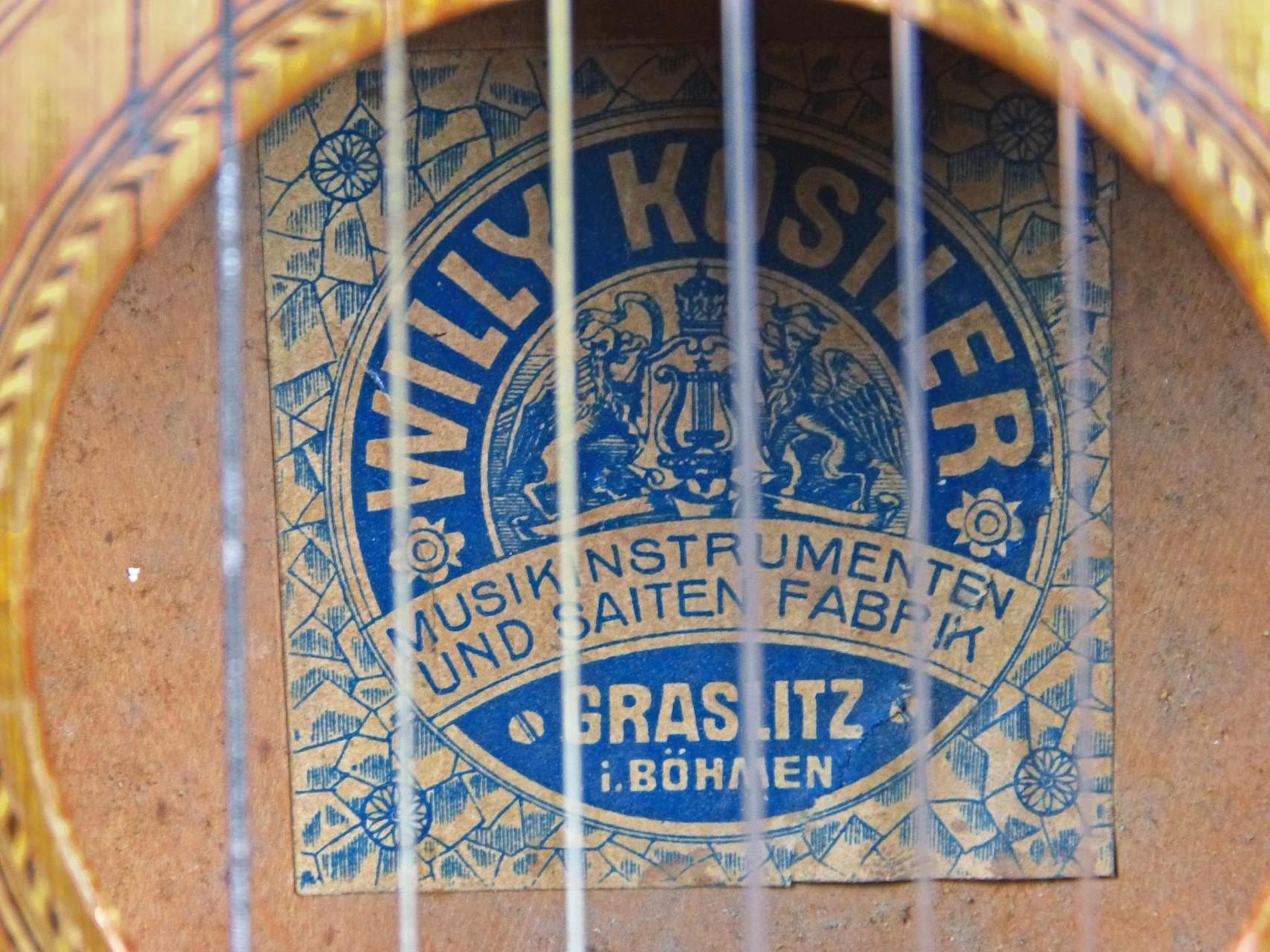 1915 1925 Guitarra Willy Kostler