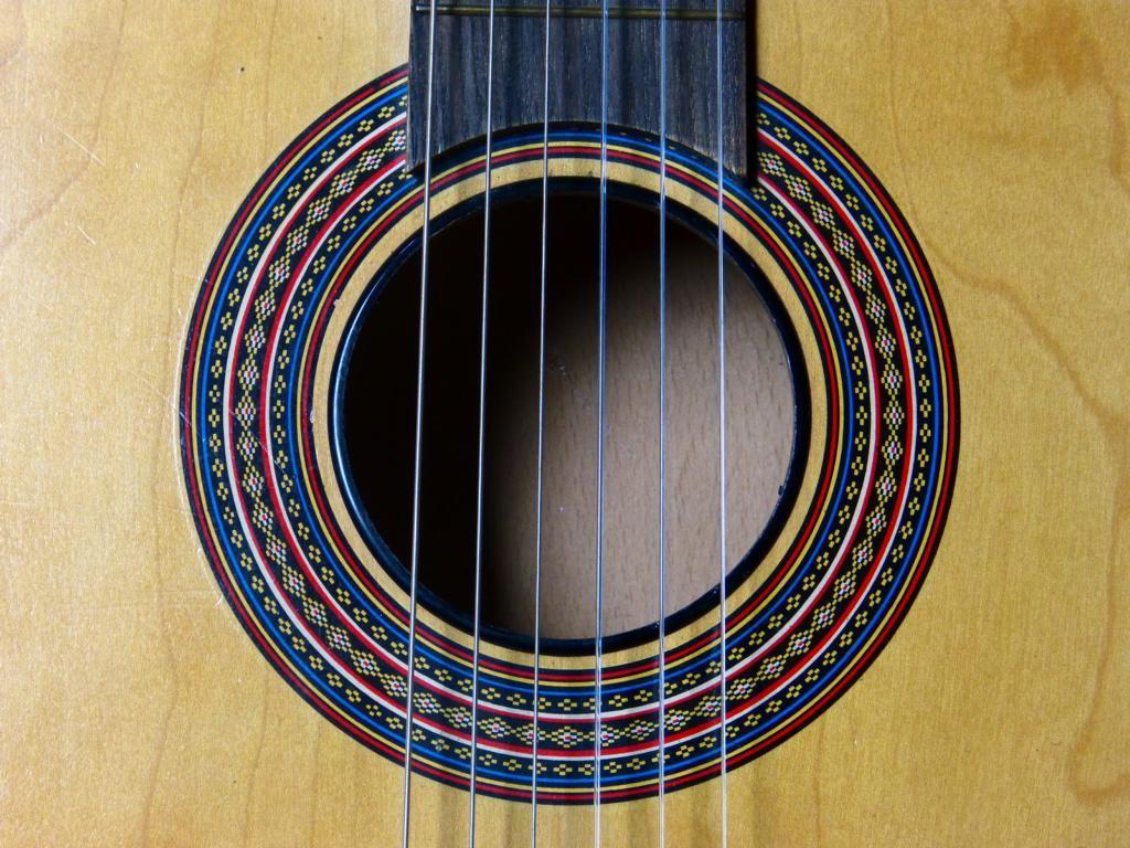 1979 Guitarra escolar RDA
