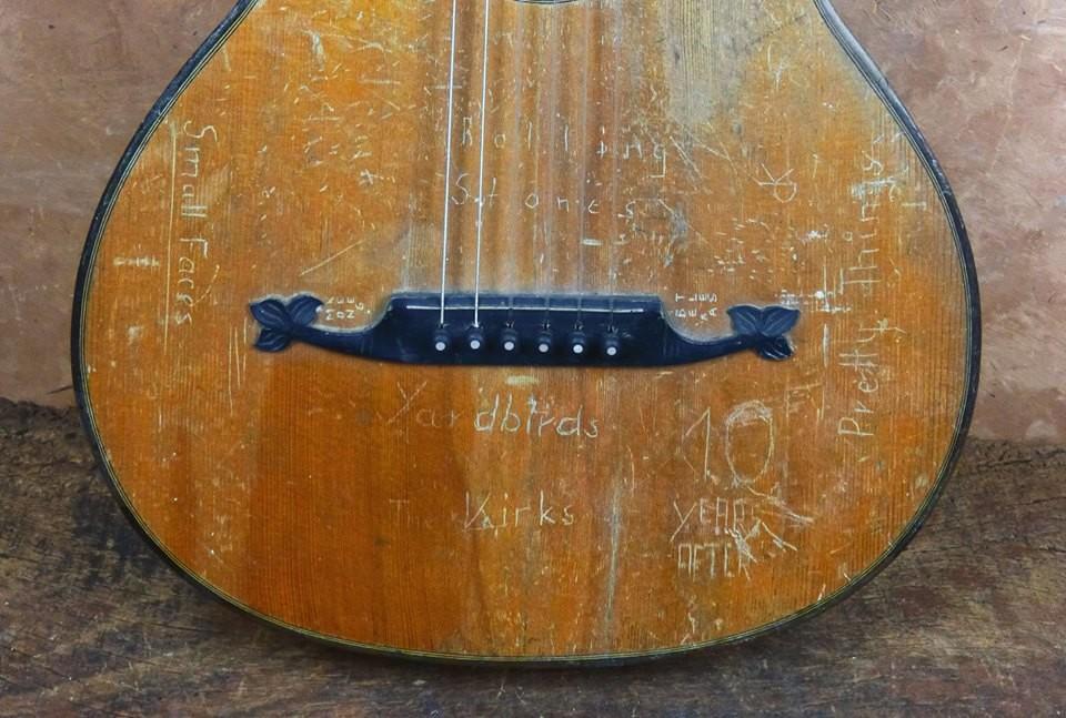 ca. 1930 Guitarra post-romántica
