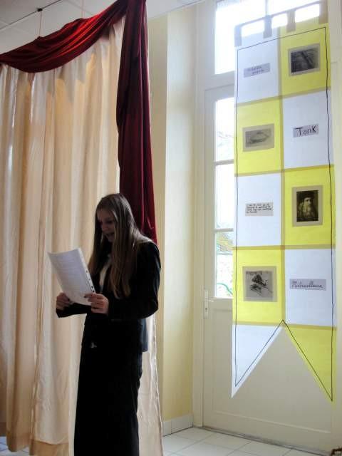 Emma a présenté les oeuvres réalisées en Arts Plastiques...
