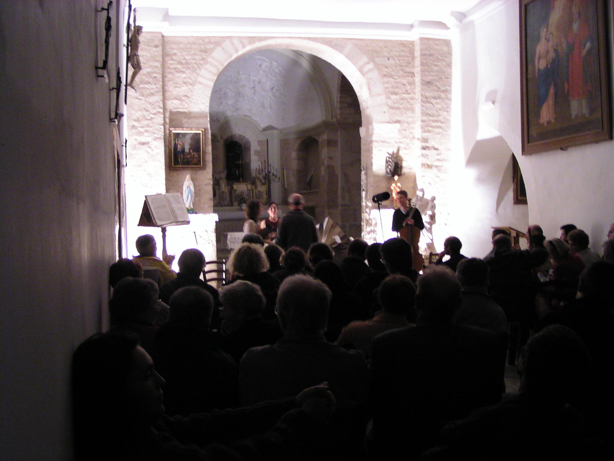 Le premier concert des Utopies dans l'église : le Cristal trio