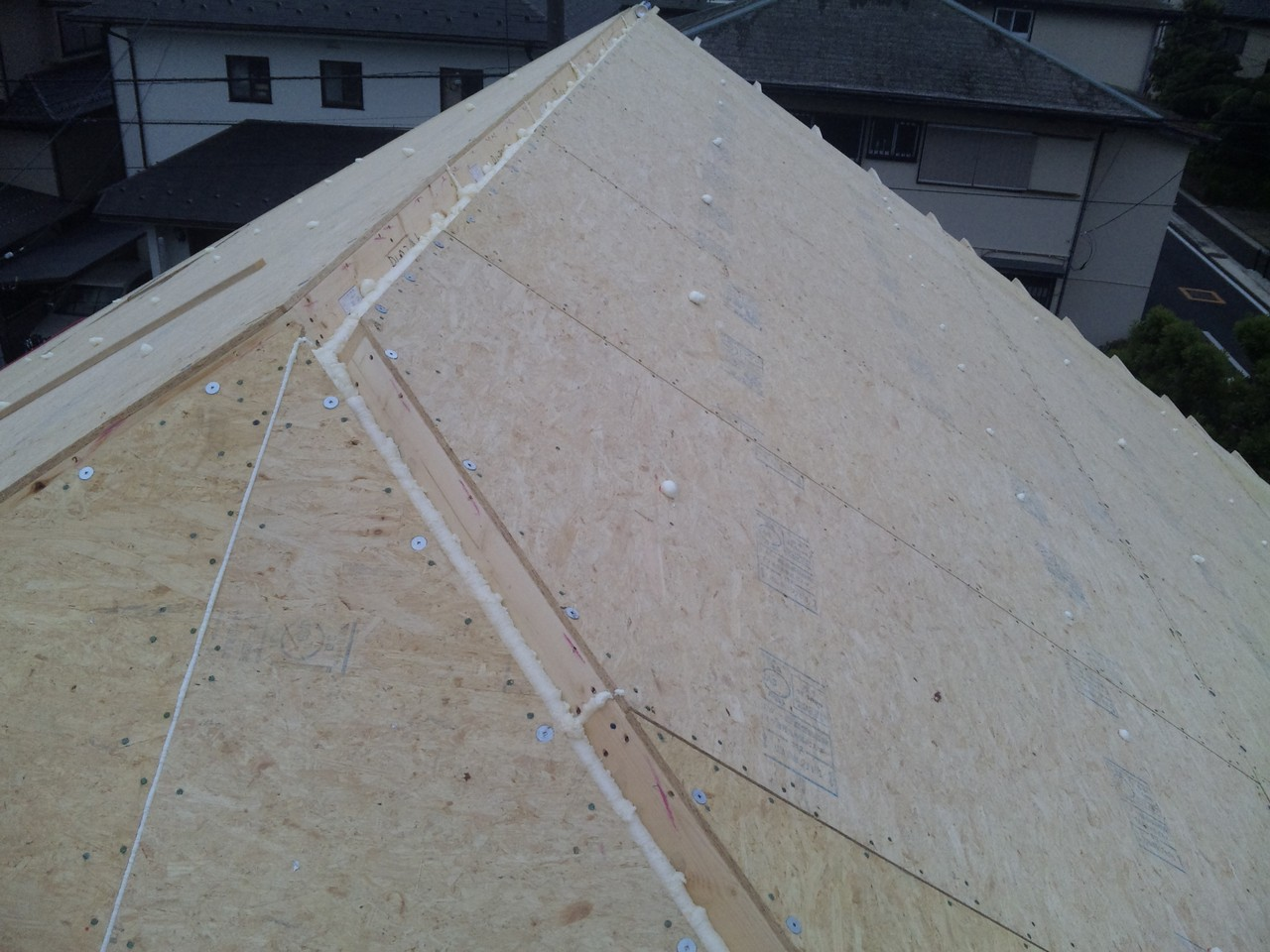 断熱屋根パネルの完了 スーパーウォール工法