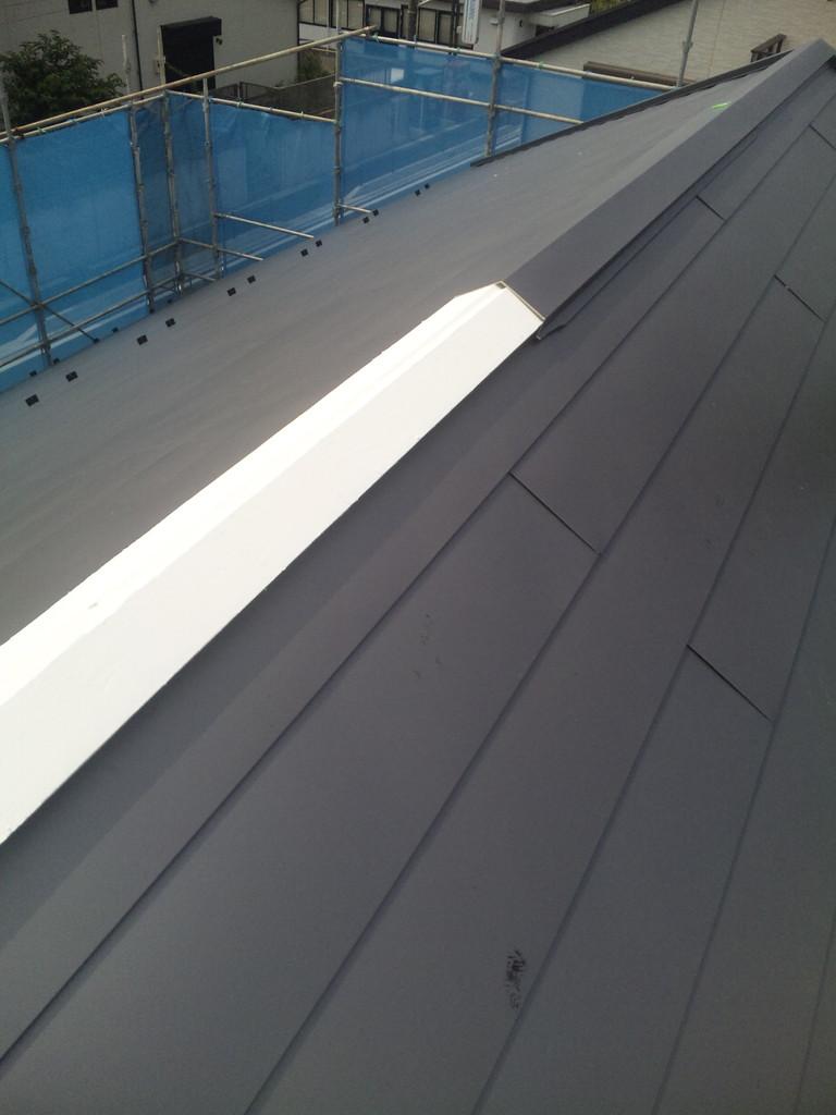 棟包下地板の下処理-断熱塗料スピンオフ塗布(特別仕様)