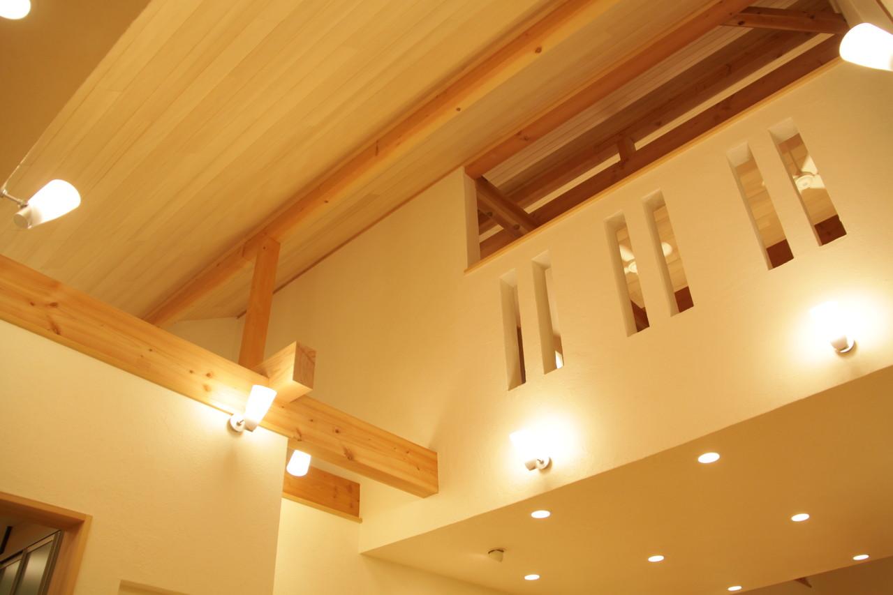 壁・漆喰 天井・ユングフラウ8A(モミ)