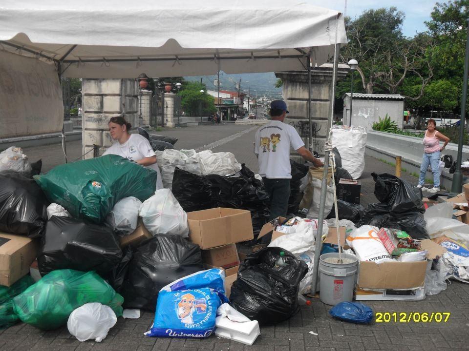 Gestión de reciclaje comunitario, Desamparados (2012)