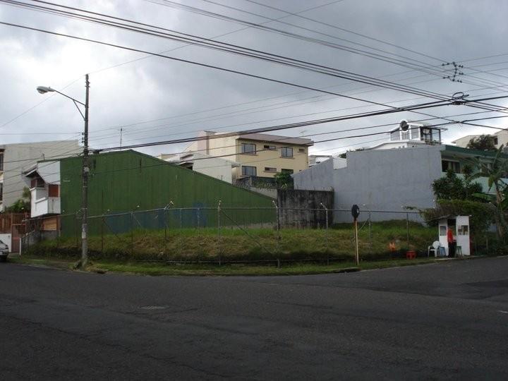 Evaluación ambiental de futuro complejo de apartamentos, Curridabat (2010)
