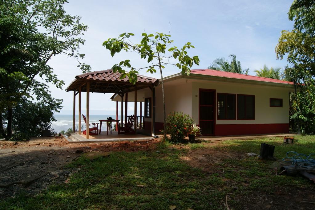 Cabina Ecosostenible, Parrita (2010)