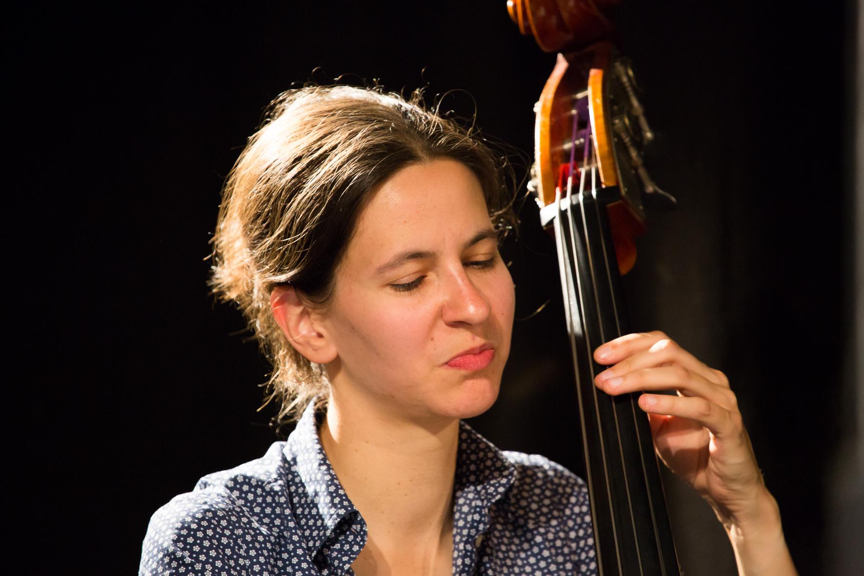 Klara Deubler, Kontrabass