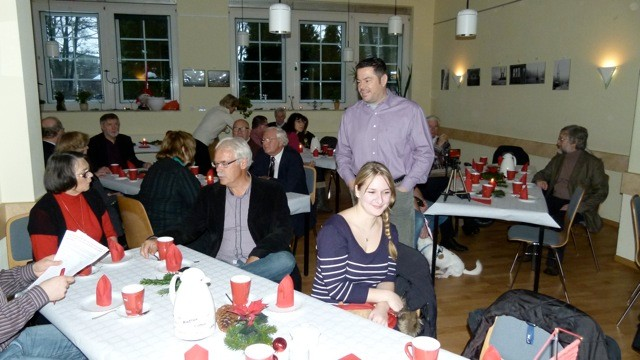 Erste Mitglieder treffen zur Weihnachtsfeier ein